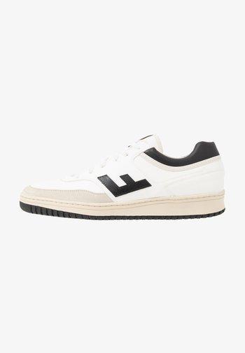 RETRO 90'S - Sneakers - white/black