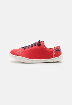 PEU CAMI  - Zapatos con cordones - bright red