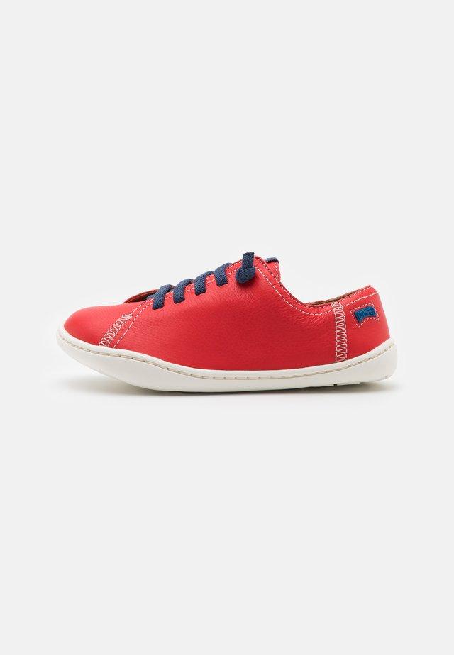 PEU CAMI  - Volnočasové šněrovací boty - bright red