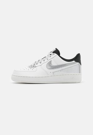AIR FORCE 1 - Tenisky - summit white/black