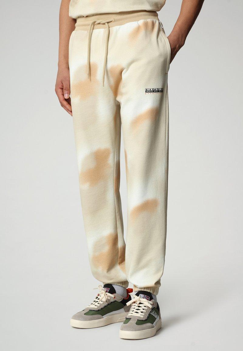 Napapijri - M-AIRBRUSH H AOP - Tracksuit bottoms - beige camou