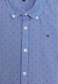 Tommy Hilfiger - STRIPE CLIPPING  - Shirt - blue - 3