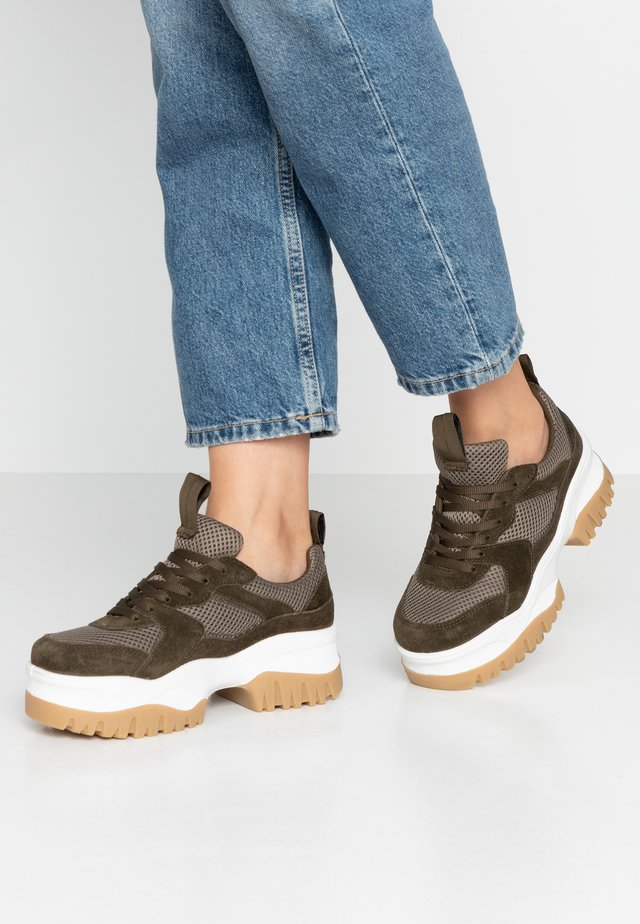 BIACOLLEEN CHUNKY - Trainers - army green