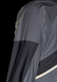 adidas Performance - TERREX AGRAVIC PRO TRAIL - Chaqueta de entrenamiento - white - 9