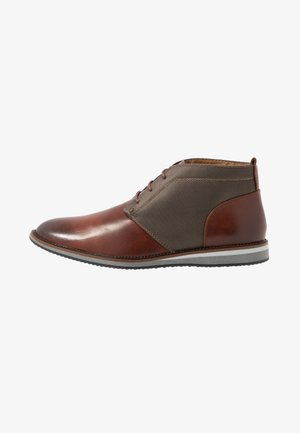 HELIUM - Zapatos con cordones - cognac