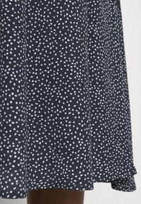 Nümph - NUCOURTNEY SKIRT - Plisovaná sukně - dark sapphire - 4