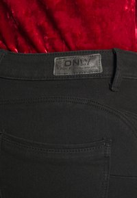 ONLY - ONLDAISY PUSH UP - Vaqueros pitillo - black denim - 3