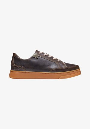 Casual lace-ups - grape leaf