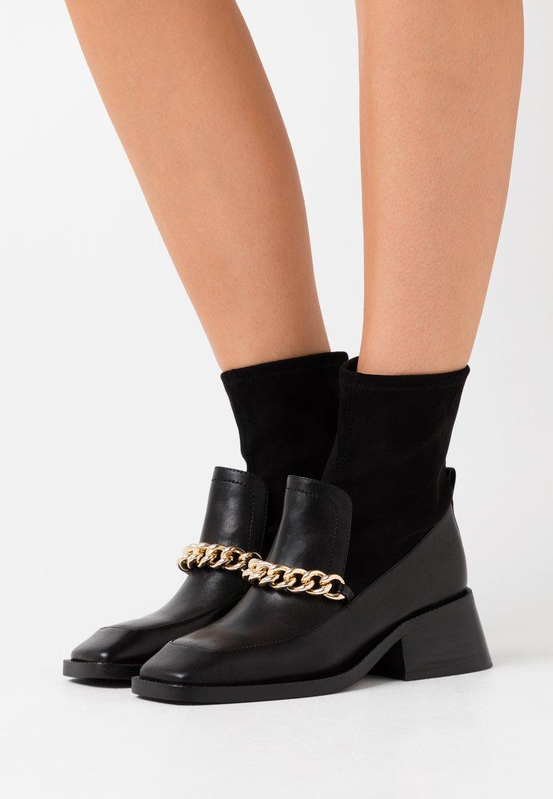 Jeffrey Campbell - PATRIK - Classic ankle boots - black