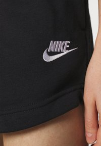 Nike Sportswear - Shorts - black/white - 4