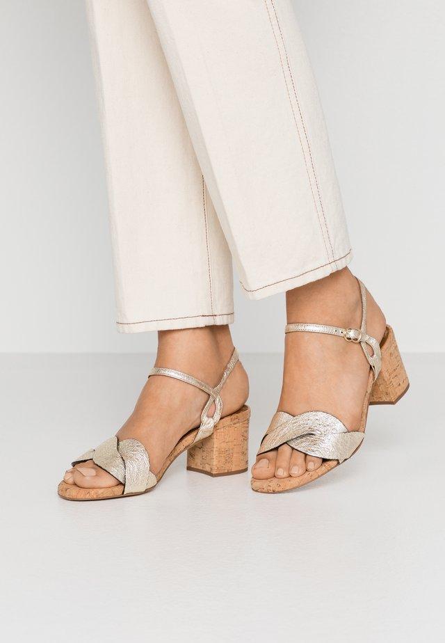 Sandaler - plaino