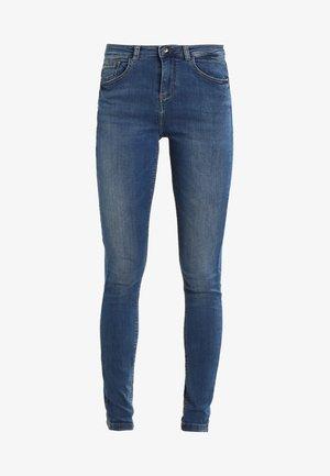 LOLA LUNI  - Slim fit jeans - antique blue
