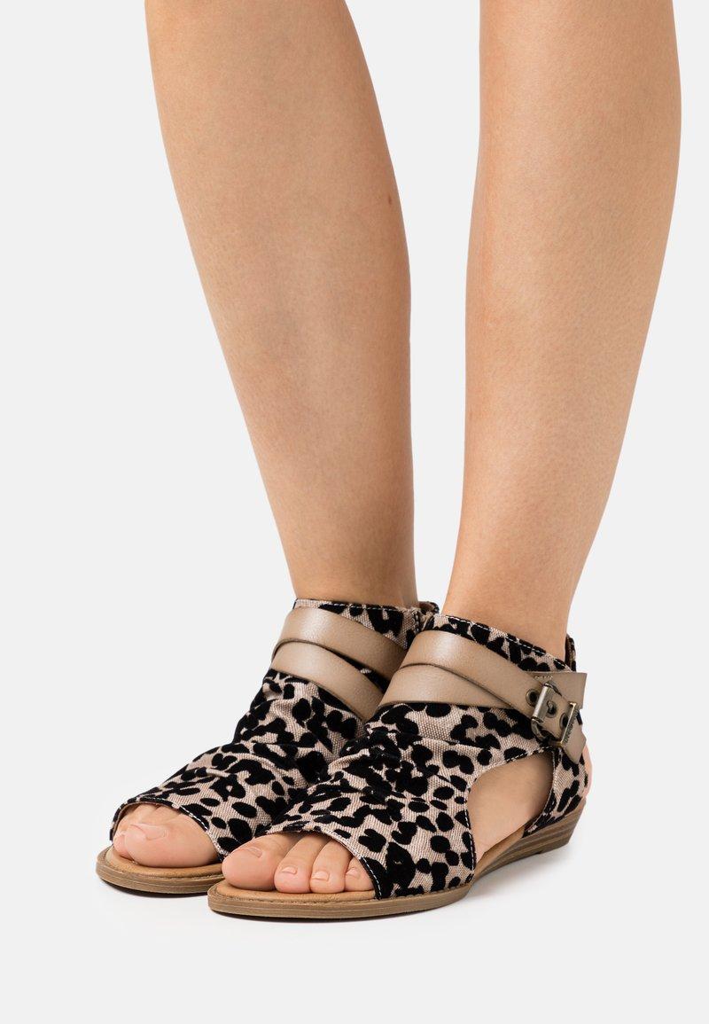 Blowfish Malibu - BALLA4EARTH - Ankle cuff sandals - sand