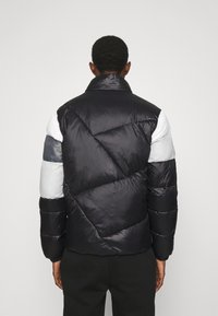 EA7 Emporio Armani - Winter jacket - black/white - 3