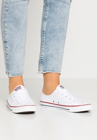 Converse - CHUCK TAYLOR ALL STAR DAINTY BASIC - Trainers - white/black - 0