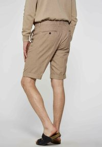 MDB IMPECCABLE - Shorts - brown - 2