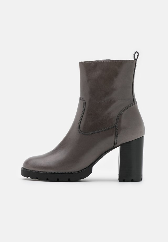 PANNER - High heeled ankle boots - grey