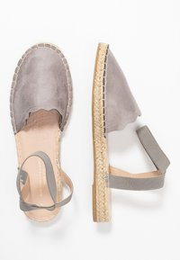 Dorothy Perkins Wide Fit - Loafers - grey - 3