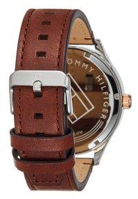 Tommy Hilfiger - WATCH - Watch - brown/blue - 2