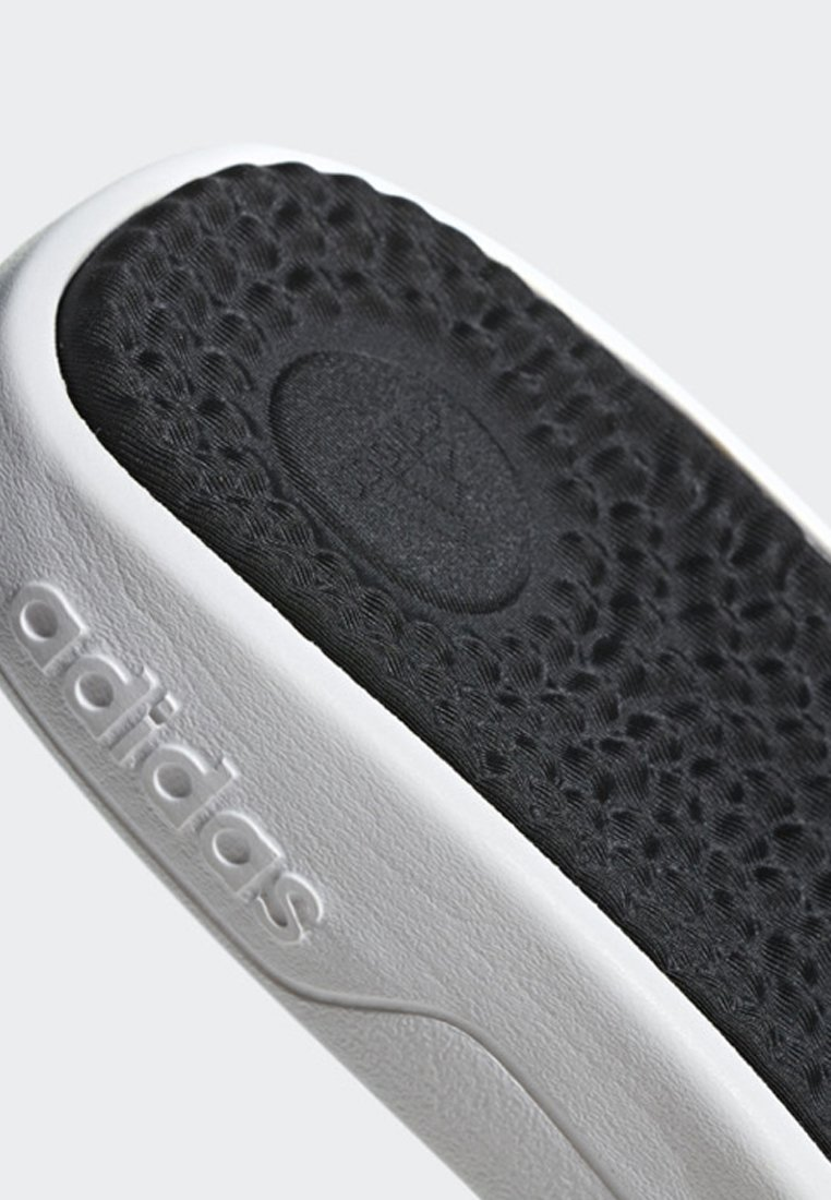 adidas Performance ADISSAGE TND SLIDES - Badesandale - white/black/weiß - Herrenschuhe o4Rsq