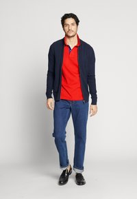 GANT - CONTRAST COLLAR RUGGER - Piké - bright red - 1