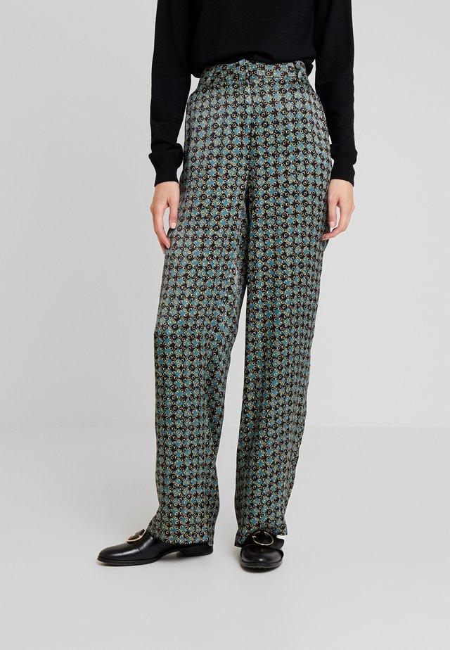 BENDA - Kalhoty - deep green combi