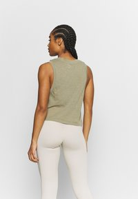 Cotton On Body - ALL THINGS FABULOUS CROPPED MUSCLE TANK - Topper - oregano washed - 2