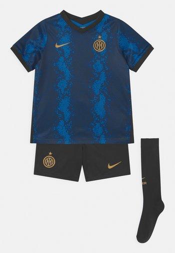 INTER MAILAND H SET UNISEX - Klubové oblečení - blue spark/truly gold