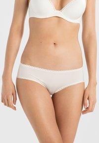 Calvin Klein Underwear - SEDUCTIVE COMFORT - Slip - ivory - 0