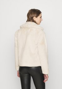 Vila - VIMARS SHORT JACKET - Short coat - birch - 2