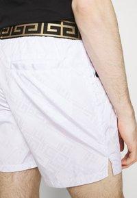 Glorious Gangsta - ETIO - Shorts - white - 4