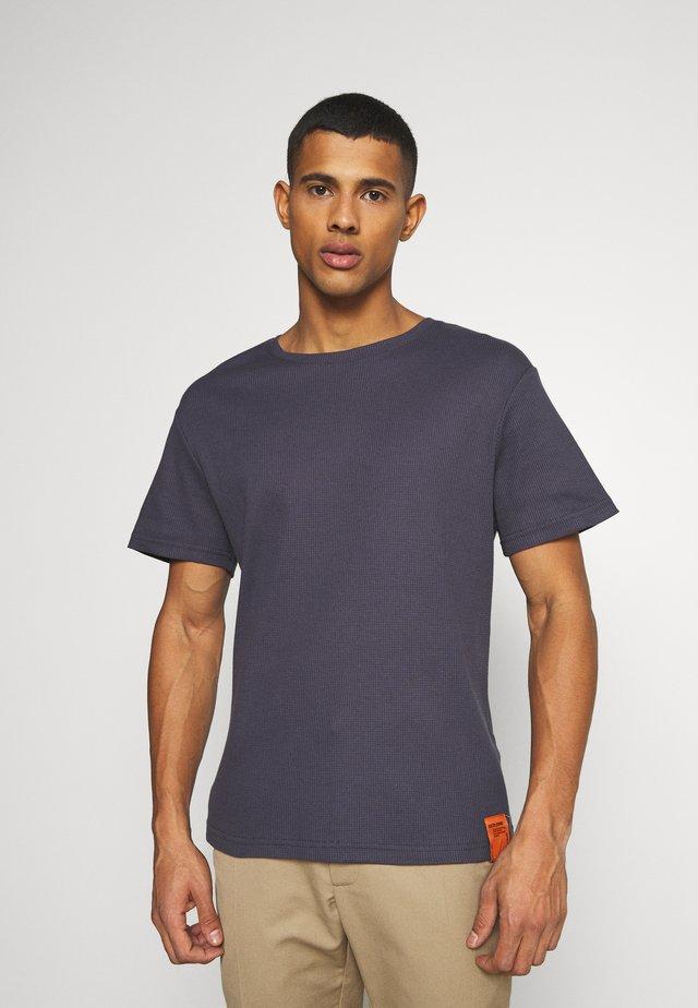 BACK NECK SIGNATURE TEE - T-shirt imprimé - grey