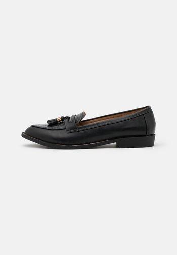 LANDMARK LOAFER - Slippers - black