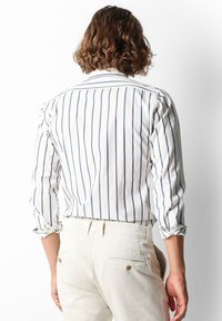 Scalpers - STRIPED - Overhemd - navy stripes - 2