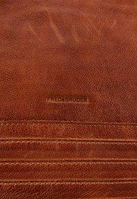 FREDsBRUDER - CHERI - Handbag - caramel - 4