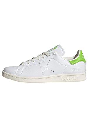 STAN SMITH - Sneaker low - white