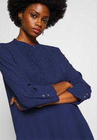 Rich & Royal - DRESS WITH PIN TUCKS AND PLISSEE - Denní šaty - deep blue - 5