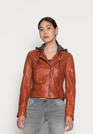 EASY BIKER - Leather jacket - chestnut