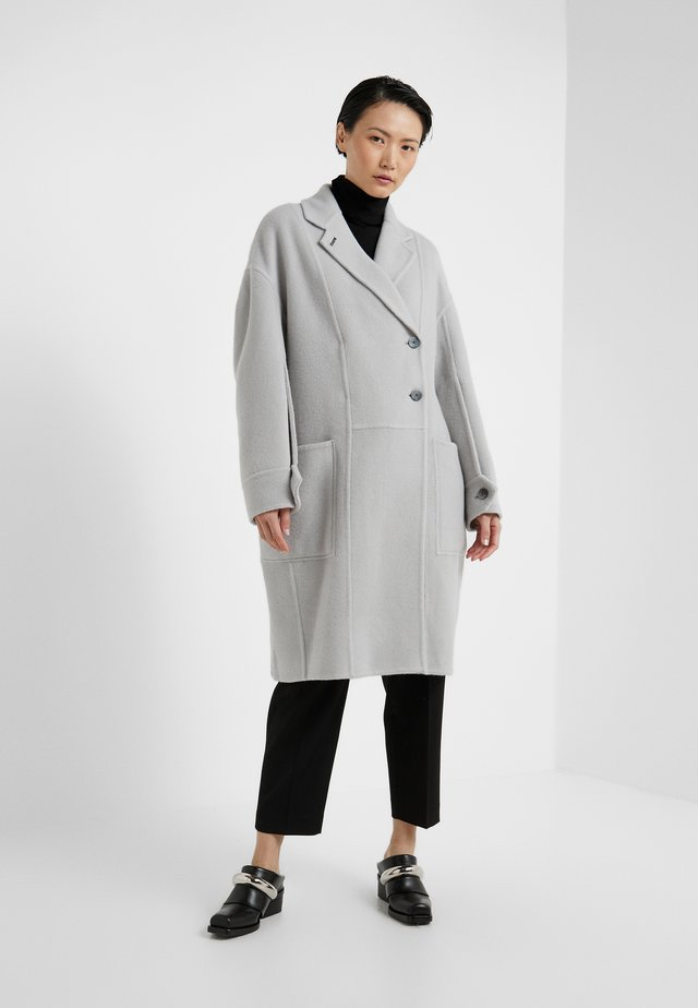 LONG OVERSIZED COAT - Villakangastakki - light grey