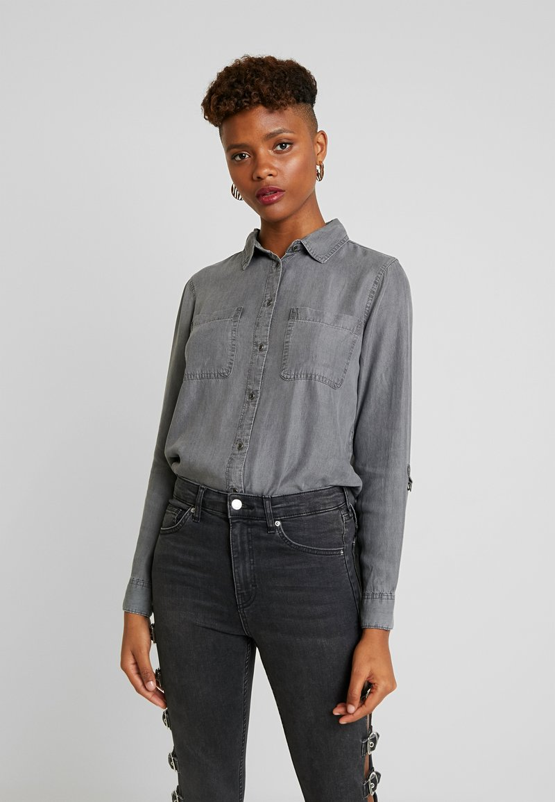 ONLY - ONLFJILL FITTED - Button-down blouse - dark grey denim