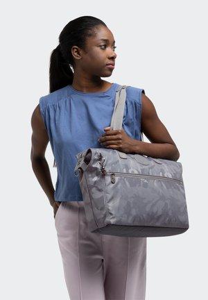 ILIA - Laptop bag - grey camo jq