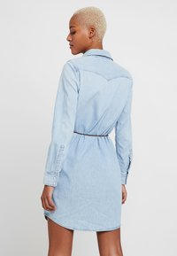 Levi's® - ULTIMATE WESTERN DRESS - Denim dress - girl like you - 2