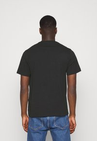 Levi's® - RELAXED FIT TEE UNISEX - T-shirts print - blacks - 2