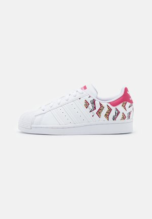 SUPERSTAR UNISEX - Trainers - footwear white/glow pink