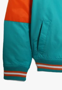 Outerstuff - NFL MIAMI DOLPHINS VARSITY JACKET - Pelipaita - turbogreen/brilliant orange - 2