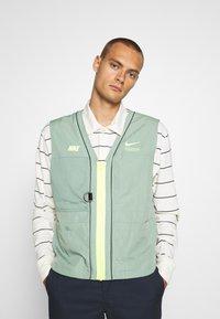 Nike Sportswear - VEST - Waistcoat - silver pine - 0