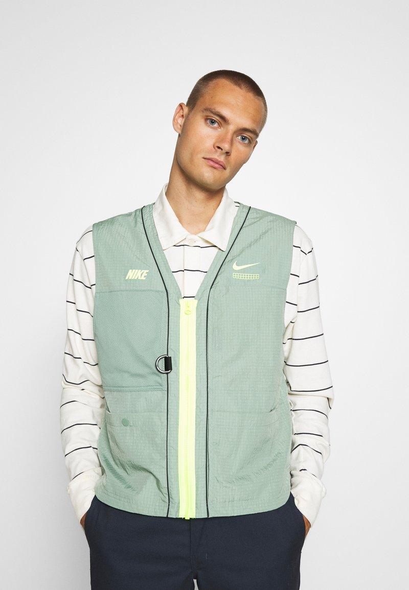 Nike Sportswear - VEST - Waistcoat - silver pine
