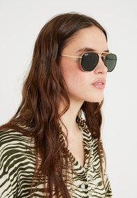 Ray-Ban - Sunglasses - gold-coloured/green - 3