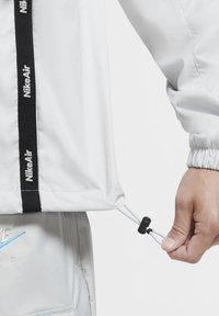 Nike Sportswear - Outdoor jacket - grey fog/black/laser blue - 6
