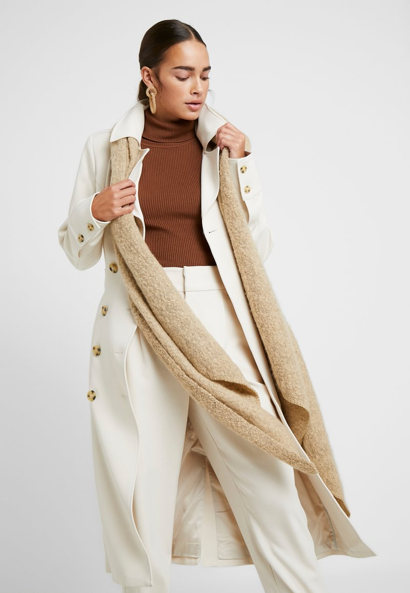 Pieces - PCPYRON LONG - Scarf - white pepper